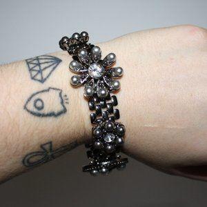 Beautiful gun metal black and rhinestone bracelet
